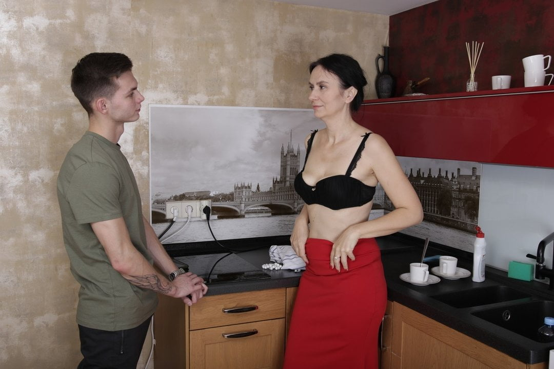Free download & watch shame k brunette granny solves her problem by having sex xh yHAi porn movies