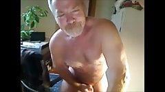 Hot silver muscleBear cumming