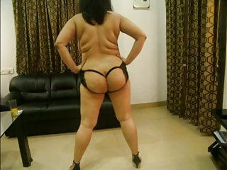 Erotic femals nudes - Sexy indian girl erotic nude dance