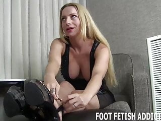 Girl have a foot fetish I have a special foot fetish treat for you