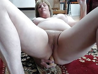 Mature mom anal free video Mature mom anal play