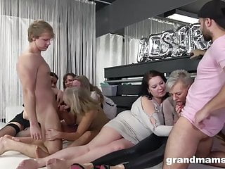 Skinny girls big cock sex orgy - Insane granny orgy will make your cock hard af