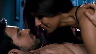 Bipasha Basu Hot Kissing Scenes 1080p