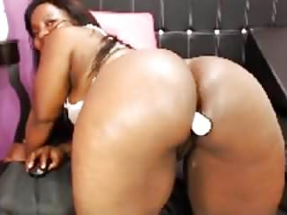Showing off ass butt Big booty latina shows off butt plug