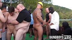 Naughty muscle men hardcore public fucking and dick sucking