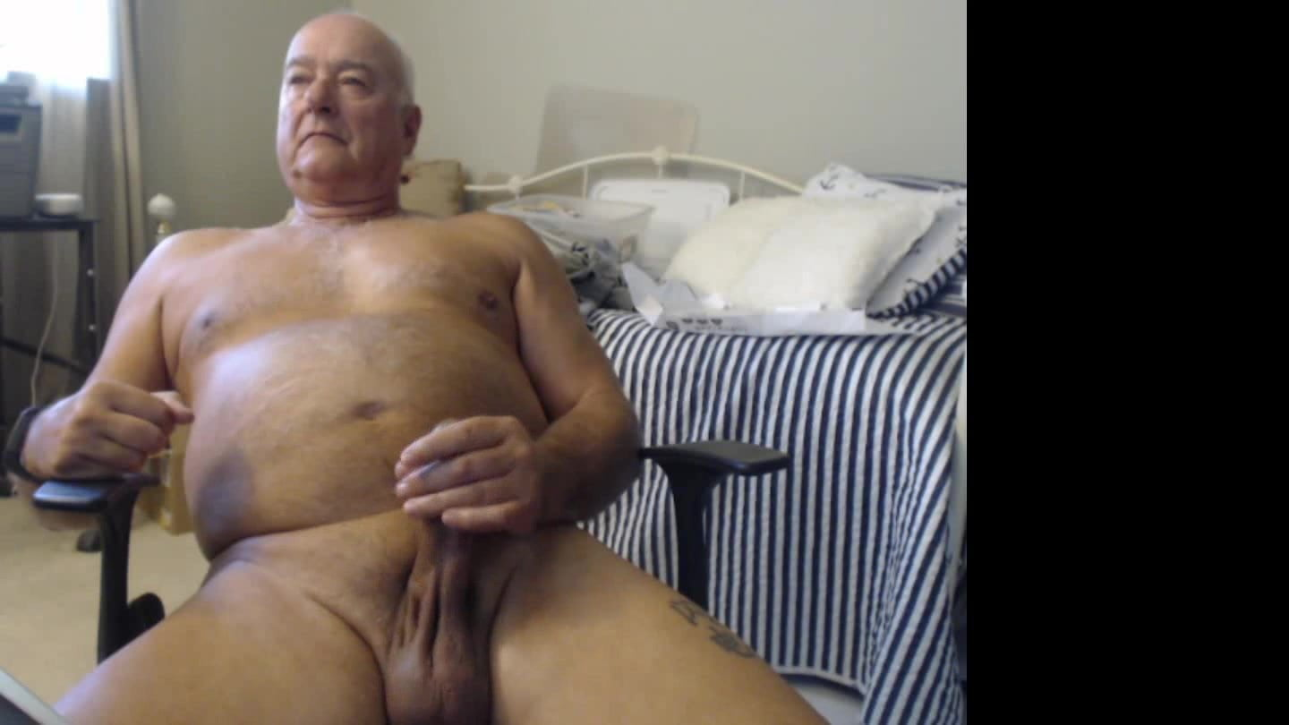 Old Man Fingering Pussy