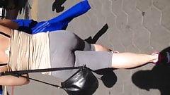Big booty white girl in leggings