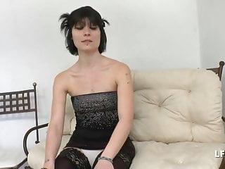 Porno actrice francaise Petite francaise bien defoncee pour son casting porno