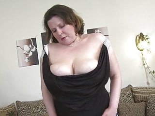 Sexy mature milf video - Sexy mature milf with big saggy tits and hungry vagina