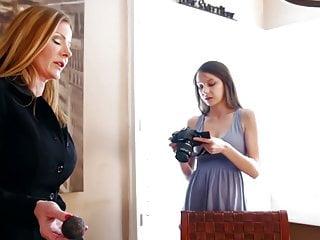 Mom masturbate teen Sexymomma - teen photographer sucking pierced milf pussy