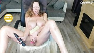 Old dirty bitch is masturbating her nasty pussy