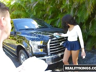 8th street latinas blowjobs - Realitykings - 8th street latinas - tony rubino vienna black