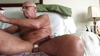 Laabanthony daddy show both sides off full cock,