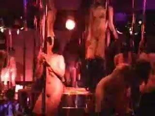 Nude Dancing Thai girls