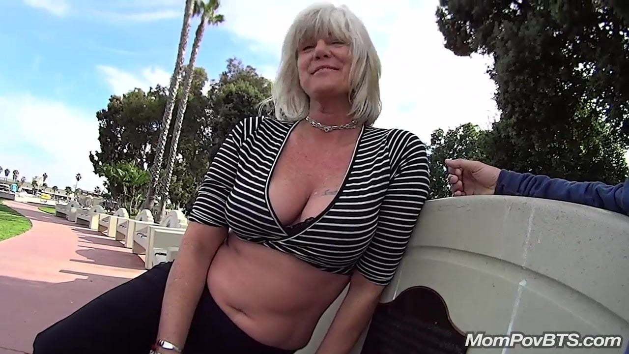 Mature Shemale Fucked Public