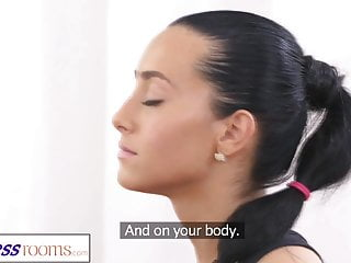 Personal bikini trimmer - Fitnessrooms gym bunny fucks her personal fitness trainer