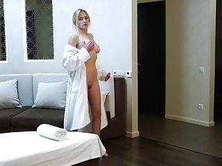 Jennifer russian femdom strapondreamer Blonde babe jennifer anixton has her virign twat massaged