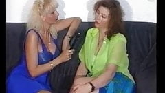 Juicy Mature Lady Masturbates on Camera