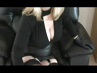 Leather handjobs - Leather milf gives superb handjob