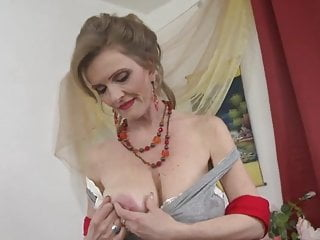 Old saggy droopy tits - Return of the milfs 08