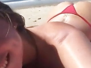 Bikini bar la - Video volee - a la plage 1