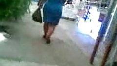 Culona Chaparrita madura en vestido azul