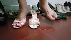 White feet..