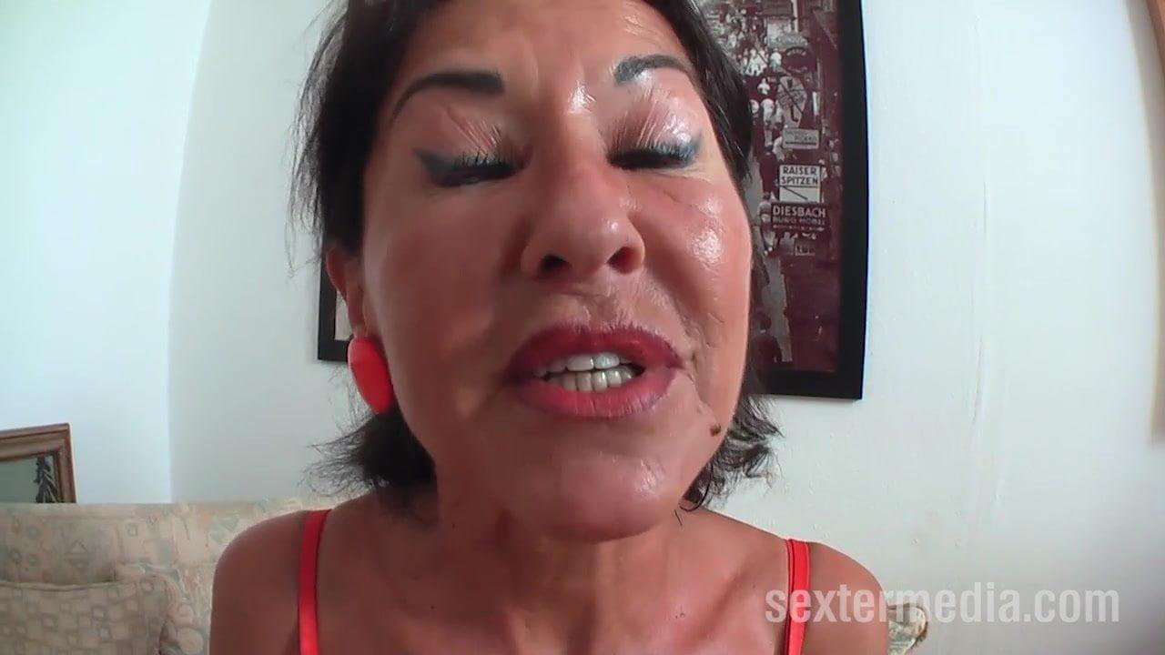 Oma wird vom jungen Boy gefickt
