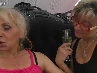 Coed lesbo amateurs Lesbo moms fuck hairy granny