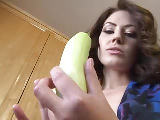Girl uses fucking machine - Hot pornstar using vegetables for her ass