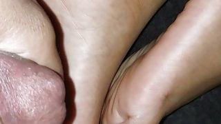 Jerking to wife soles