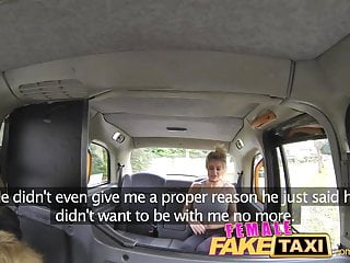 Boob fitting - Femalefaketaxi finger-fucking a fit babe