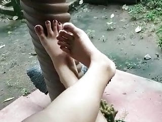 Free sexy feet model pics Srilankan beautiful feet model
