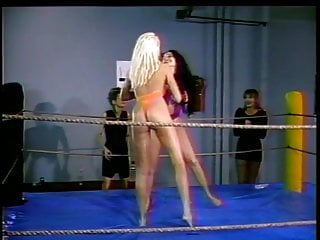 Cat fight porn free Hot cat fighting lesbians in the ring
