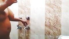 Desi Indian aunty bathing, indian wife bath, house wife bath