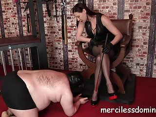 Goddesses domination Worship divine domino - goddess likes to dominate