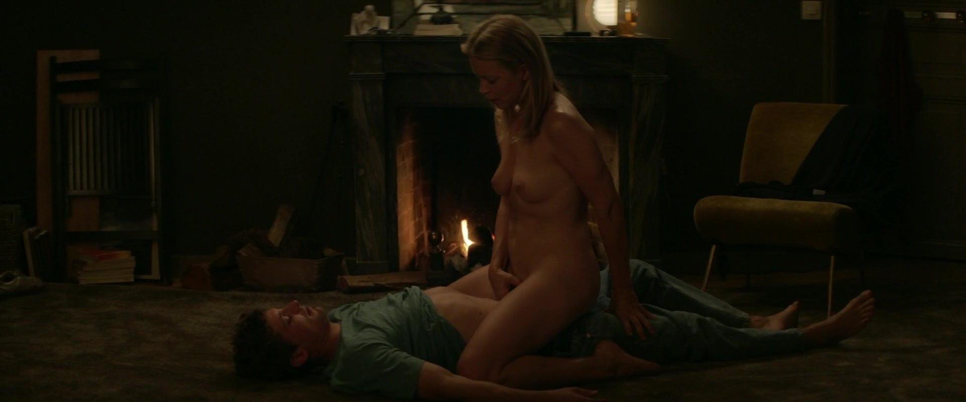 Efira topless virginie Virginie Efira,