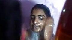 Choti bhnKi chut m jhaat