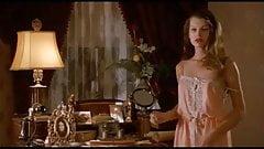 Milla Jovovich is cute & sexy