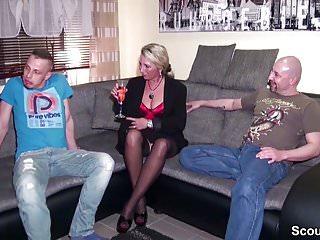 Hardcore party young - Betrunkene mutter fickt mit freund und stief-sohn nach party