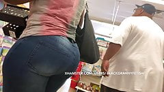 Candid Big Wide Chubby Ass Black Mature