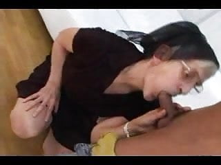 Yelping orgasms Hairy yelping granny loves a good fuck and facial