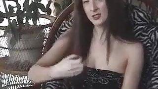British Amateur Rose showing men how they should wank