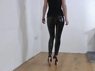 Vinyl fetish bondage - Vinyl leggings und high heels