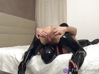 Facesitting and gay Femdom facesitting and deep rimjob