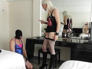 Lick my sisters ass hole - Mistress yanet - vera can lick my ass hole