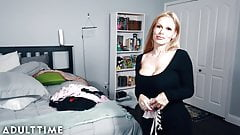 Une maman perverse à l'heure du modèle syntonisée par la culotte de sa belle-fille