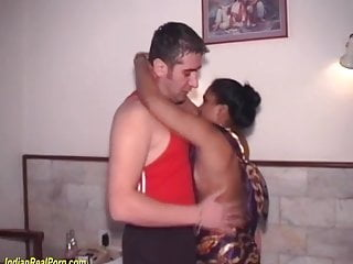 Amateur milfs cuogar interracial porn Indian milf first interracial porn