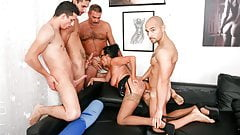 AmateurEuro Amazing Gangbang With DP For Hot Lady Laura Rey