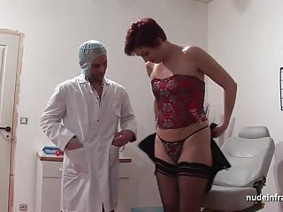 Redheads fisting - Amateur redhead anal plugged in threesome at the gyneco